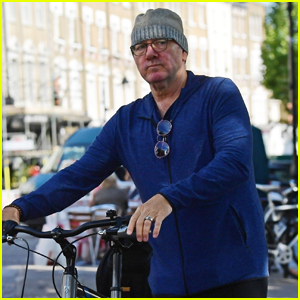 Kevin Spacey, Pictured for the First Time in Months, Heads Out for a Bike Ride in London