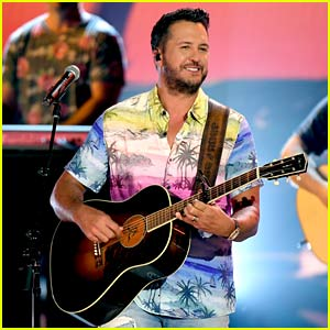 Luke Bryan Performs at ACM Awards 2020, Talks About Katy Perry's Newborn Baby Girl!
