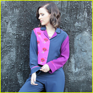 Rachel Brosnahan Wears Chic Pajamas Watching Emmy Awards 2020 From Home!