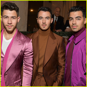 We Found Out the Name of the Jonas Brothers' Group Chat!