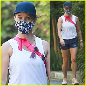 Reese Witherspoon Chats with Friends During Morning Power Walk