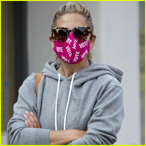 Sarah Michelle Gellar Wears 'Vote' Mask While Out on Coffee Run