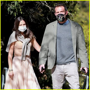 Ben Affleck & Ana de Armas Take His Kids to the Park After First Thanksgiving Together