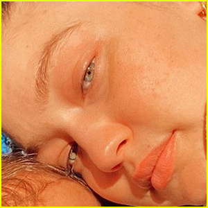 Gigi Hadid Shares Another Adorable Selfie With Her Baby Girl!
