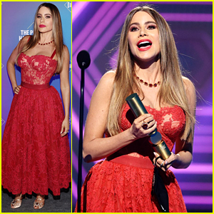 Sofia Vergara Receives Her Final-Ever Award for 'Modern Family' at People's Choice Awards 2020