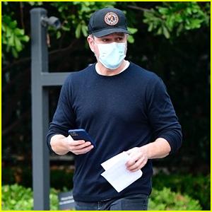 Matt Damon Stopped By Friend Ben Affleck's House This Week!