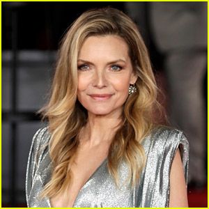 Michelle Pfeiffer Is Willing to Play Catwoman Again