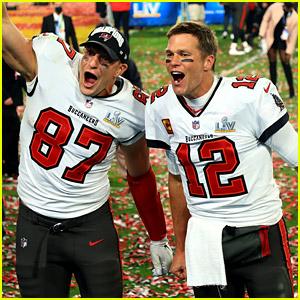 New England Patriots React to Former Players Tom Brady & Rob Gronkowski Winning Super Bowl 2021