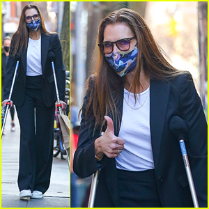 Brooke Shields Reveals She Had Two Surgeries & Three Blood Transfusions After Breaking Her Femur