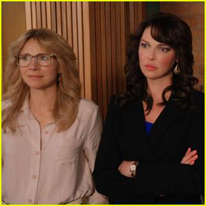 Firefly Lane's Sarah Chalke Talks Season 2 & What Tully Did to Kate