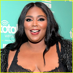 Lizzo Strips Off Her Clothes, Shares Completely Unretouched Photo for a Great Reason