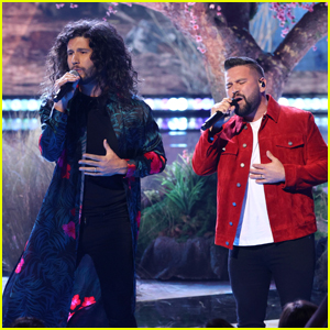Dan + Shay Perform 'Glad You Exist' at iHeartRadio Music Awards 2021!