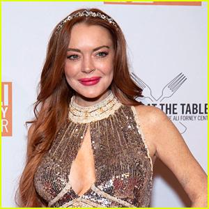 Lindsay Lohan To Make Acting Return in Netflix Christmas Movie