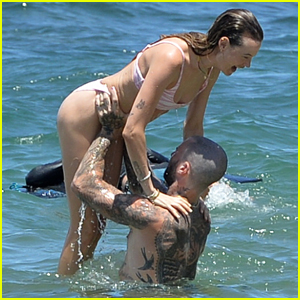 Adam Levine & Behati Prinsloo Have Fun at the Beach Together on Vacation in Hawaii