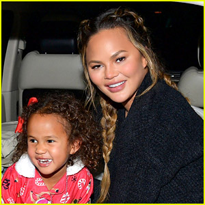 Chrissy Teigen Gets Tattoo of the Butterfly That Her Daughter Drew on Her Arm