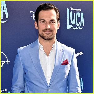 'Grey's' Actor Giacomo Gianniotti Suits Up at 'Luca' Premiere - His New Pixar Movie!