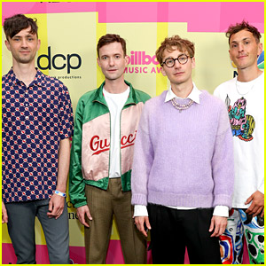 Glass Animals' Dave Bayley Talks About the Interesting Thing the Band Did During the Pandemic - Listen Now