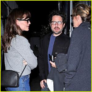 Jennifer Garner Reunites with 'Alias' Creator J.J. Abrams for Dinner!