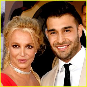 Britney Spears' Boyfriend Sam Asghari Wears 'Free Britney' Shirt Ahead of Her Court Appearance