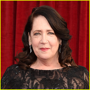 Ann Dowd Cancels Remainder of Performances in Off-Broadway Play Due to 'Pressing Family Matter'