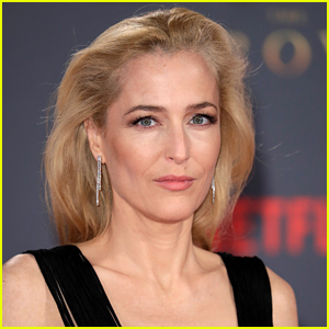 Gillian Anderson Goes Viral for Declaring She's Not Wearing Bras Anymore