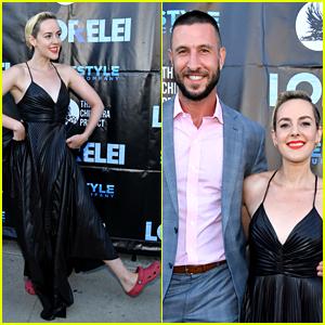 Jena Malone Wears Crocs to Red Carpet Premiere of 'Lorelei'