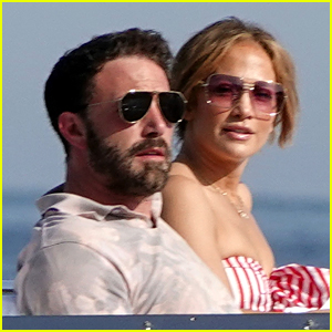 There Are More Photos of Jennifer Lopez & Ben Affleck Vacationing on a Yacht!