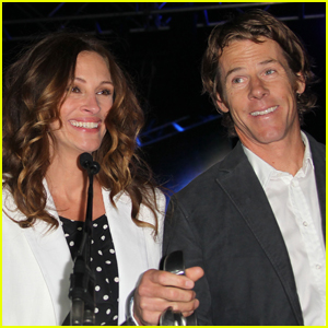 Julia Roberts Shares Rare Selfie with Husband Danny Moder On Their 19th Wedding Anniversary!