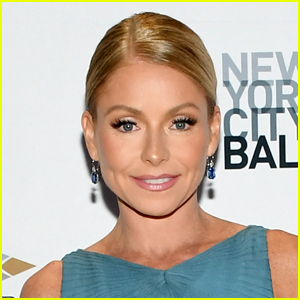Kelly Ripa Calls Out 'Weirdos' Who Claim She's Missing a Foot in Her Latest Instagram