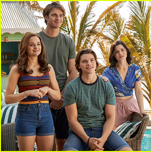 Joey King Has To Decide Between Love & College in 'The Kissing Booth 3' Trailer - Watch Here!