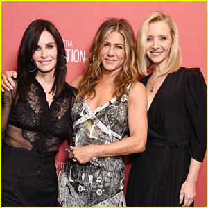 Lisa Kudrow Gets Birthday Love From Jennifer Aniston & Courteney Cox