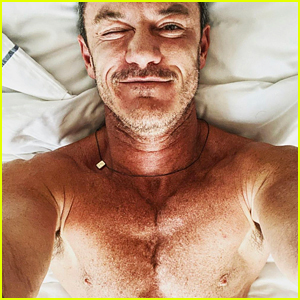 Luke Evans Kicks Off the Weekend By Sharing Sexy Selfies from Bed!