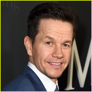 Mark Wahlberg Shares Rare Photo with Three of His Kids!