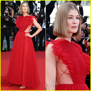 Rosamund Pike Walks First-Ever Cannes Red Carpet at the 2021 Closing Ceremony!
