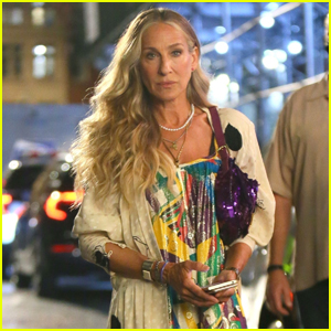 Sarah Jessica Parker Joins Cynthia Nixon & Kristin Davis for a Late Night on Set of 'And Just Like That'