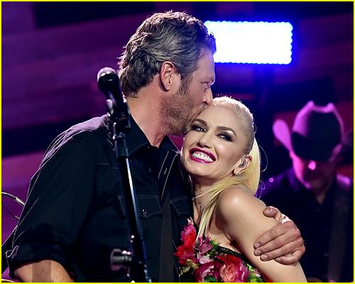 Gwen Stefani and Blake Shelton photo
