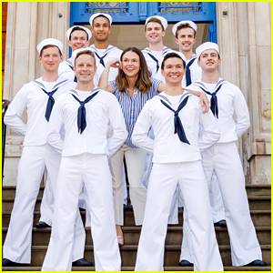 Sutton Foster Has Some Fun With A Bunch of Sailors During 'Anything Goes' Photo Call