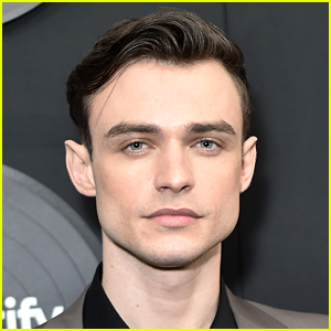 Thomas Doherty Talks About Playing a Pansexual Character in 'Gossip Girl' Revival