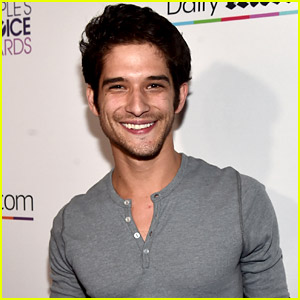 Teen Wolf's Tyler Posey Comes Out as Queer & Sexually Fluid