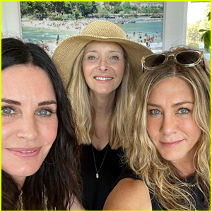 The Women of 'Friends' Reunited for a Fourth of July Party - See Photos!