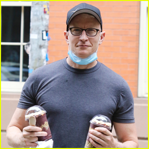 Anderson Cooper Picks Up Some Frozen Drinks in NYC