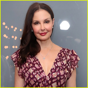 Ashley Judd Reveals She's Walking Again After Shattering Her Leg