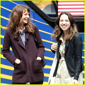Carey Mulligan & Zoe Kazan Laugh It Out on 'She Said' Set in NYC