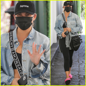 Chrissy Teigen Spends the Afternoon Shopping with Her Mom in Beverly Hills