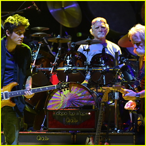 Man Dies at Dead & Company's NYC Concert After Falling from Balcony