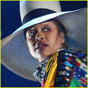 Erykah Badu Apologizes for Being 'Terrible Guest' at Obama's 60th Birthday Party