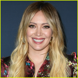 Hilary Duff Shares First Behind-The-Scenes Photo with 'How I Met Your Father' Co-Stars!
