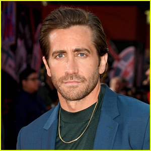 Jake Gyllenhaal Joins Growing List of Celebs Who Find Bathing to Be 'Less Necessary'