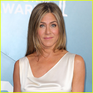 Jennifer Aniston Reveals She's Had to Cut Out a Few People Due to Their Vaccine Status