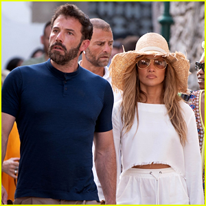 Jennifer Lopez & Ben Affleck Spotted Having a 'Magical' Day with All of Their Kids!